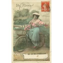 63 SAINT-PARDOUX. Rare un Baiser par femme en bicyclette 1910