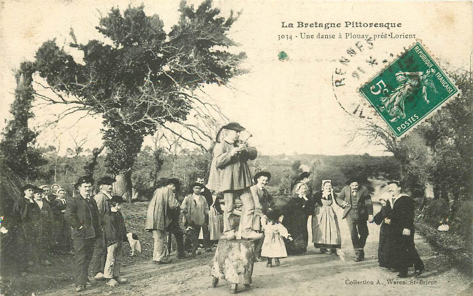 56 PLOUAY. Une Danse bretonne près de Lorient 1911