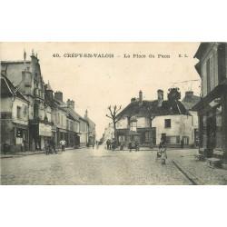 60 CREPY-EN-VALOIS. Animation Place du Paon 1916