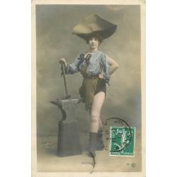 """Spectacle par Walery """" BERGER """" danseuse femme forgeron 1910."""