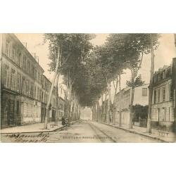 17 SAINTES. Avenue Gambetta 1903