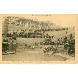 31 SAINT-FERREOL. Les Pêcheurs tirant la Senne pour la mise à sec du Bassin en 1935