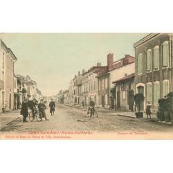 31 SAINT-GAUDENS. Cyclistes Avenue de Toulouse 1906
