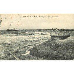 carte postale ancienne 14 TROUVILLE. Digue et Jetée Promenade vers 1908