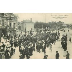 76 SOTTEVILLE-LES-ROUEN. Défilé des Officiels et Sapeurs Pompiers Place Voltaire