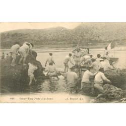 83 TOULON. Retour d'une Pêche à la Senne par des Marins
