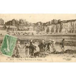 80 AULT. Construction d'un Fort de sable et les Falaises 1924