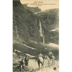 65 GAVARNIE. Excursionnistes Chemin du Cirque
