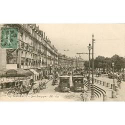 33 BORDEAUX. Tramways et Café Dubau Quai Bourgogne 1918