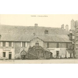 56 VANNES. L'Ancienne Mairie