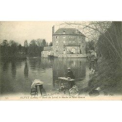 45 OLIVET. Lavandière blanchisseuse sur les Bords du Loiret près du Moulin Saint-Samson