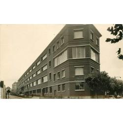 Cpsm 93 MONTREUIL. La Crèche Municipale et Groupe Scolaire Voltaire 1958