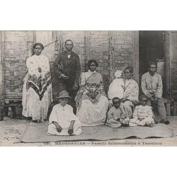 MADAGASCAR. Famille Betsimisaraka à Tamatave vers 1900