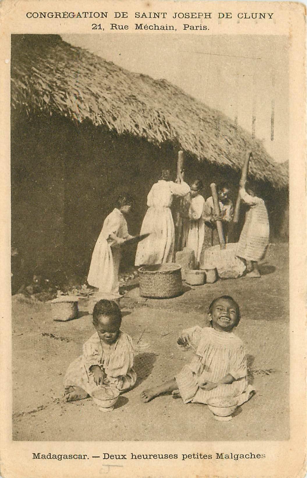 MADAGASCAR. Heureux petites Malgaches et Pileuses de céréales 1931