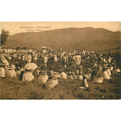 MADAGASCAR. Danseurs Betsiléos