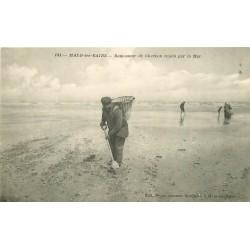 59 MALO-LES-BAINS. Ramasseur de Charbon rejeté par la Mer