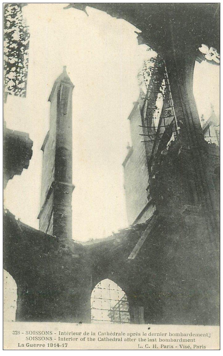 carte postale ancienne 02 SOISSONS. Cathédrale. Intérieur vers 1917