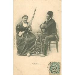 01 VEILLEE BRESSANE. Femme au rouet 1905