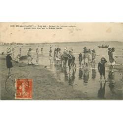 17 ROYAN. Enfants des Colonies scolaires sur Grande Conche 1916