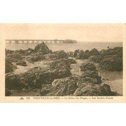 carte postale ancienne 14 TROUVILLE. Chercheurs de Crustacées aux Roches Noires
