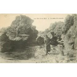 50 MONTMARTIN-SUR-MER. La Pêche à la Crevette 1915