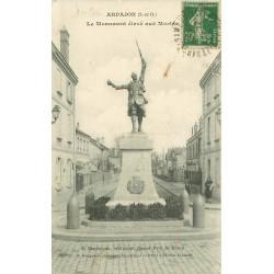 91 ARPAJON. Monument élevé aux Morts par Benneteau 1923