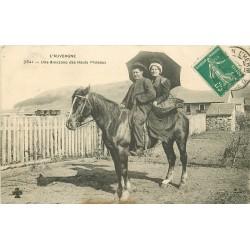 48 LOZERE. Une Amazone des Hauts Plateaux 1910 se rendant au Marché