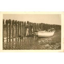 17 ILE D'OLERON. Récolte des Moules de Bouchots
