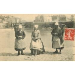 14 HOULGATE. Pêcheuses Normandes 1908