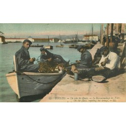 83 TOULON. Le Raccommodage des Filets sur le Quai 1922