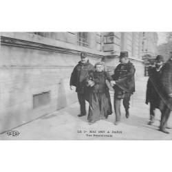 PARIS 10. Une Récalcitrante Place de la République en 1907 avec Policiers