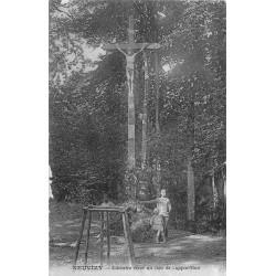 08 NEUVIZY. Calvaire élevé au lieu de l'Apparition 1924