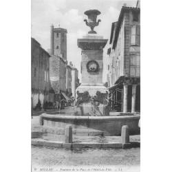 12 MILLAU. Fontaine Place Hôtel de Ville