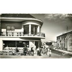 Photo Cpsm Cpm 43 LES MOUTIERS. Brocante Rue de l'Abbé Maillard 1959