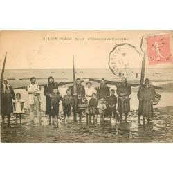 59 LOON PLAGE. Pêcheuses de Crevettes 1928
