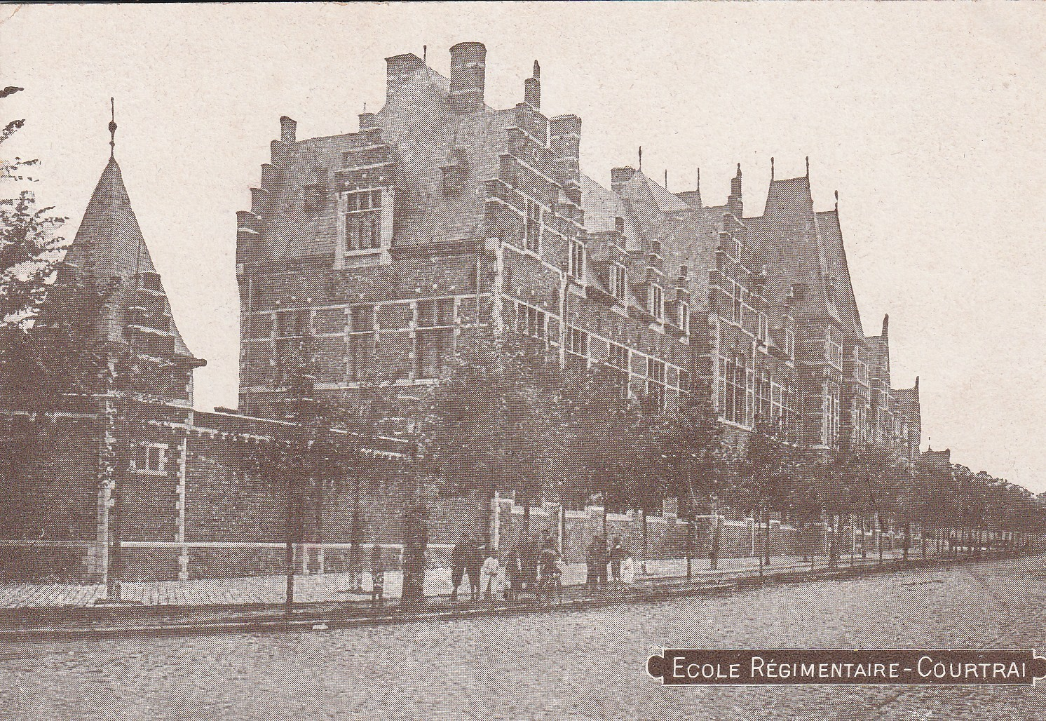 COURTRAI. Ecole Régimentaire en Belgique