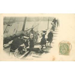 80 LE CROTOY. Déchargement du Sel d'un bateau sur le Quai 1901