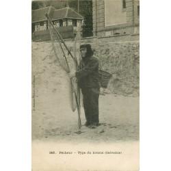 14 LION-SUR-MER. Pêcheur type du littoral 1905