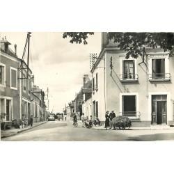 72 NOGENT-LE-BERNARD. Rue de la Poste voiture Aronde
