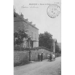71 BRANDON. Attelage de Boeufs devant le Bureau de Poste 1910