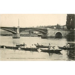 91 RIS-ORANGIS. Pêcheurs à la ligne près du Pont de Ris