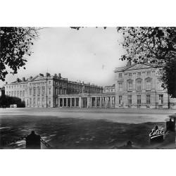 60 COMPIEGNE 1949 Place du Palais