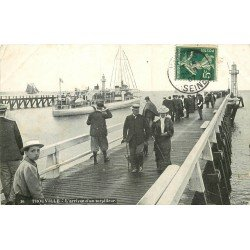 carte postale ancienne 14 TROUVILLE. Arrivée d'un Torpilleur 1907