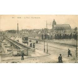 41 BLOIS. Tramway publicité Dubonnet sur le Pont avec vespasiennes
