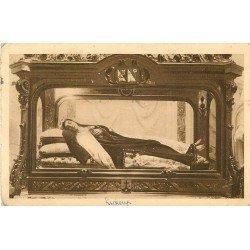 carte postale ancienne 14 LISIEUX. Sainte-Thérèse de l'Enfant Jésus dans sa Châsse 1932