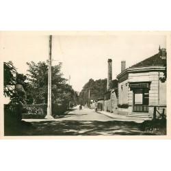 Photo Cpsm 33 GAZINET. La Boulangerie Avenue de la Gare 1955