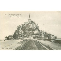 50 LE MONT SAINT-MICHEL. La Digue
