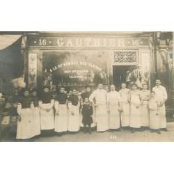 PARIS XVI° Charcuterie Gauthier et son personnel 16 Avenue des Ternes