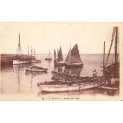 44 LE CROISIC. Entrée des barques de Pêcheurs dans le Port