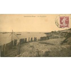 17 CHÂTELAILLON-PLAGE. Les Boucholeurs avec barques